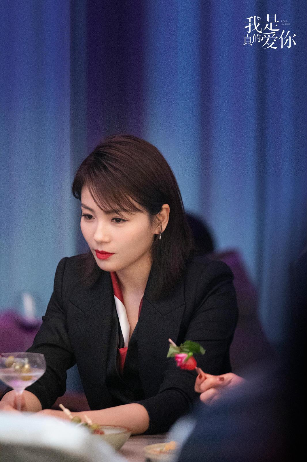 《我是真的爱你》热播中 刘涛为戏倒立一整天