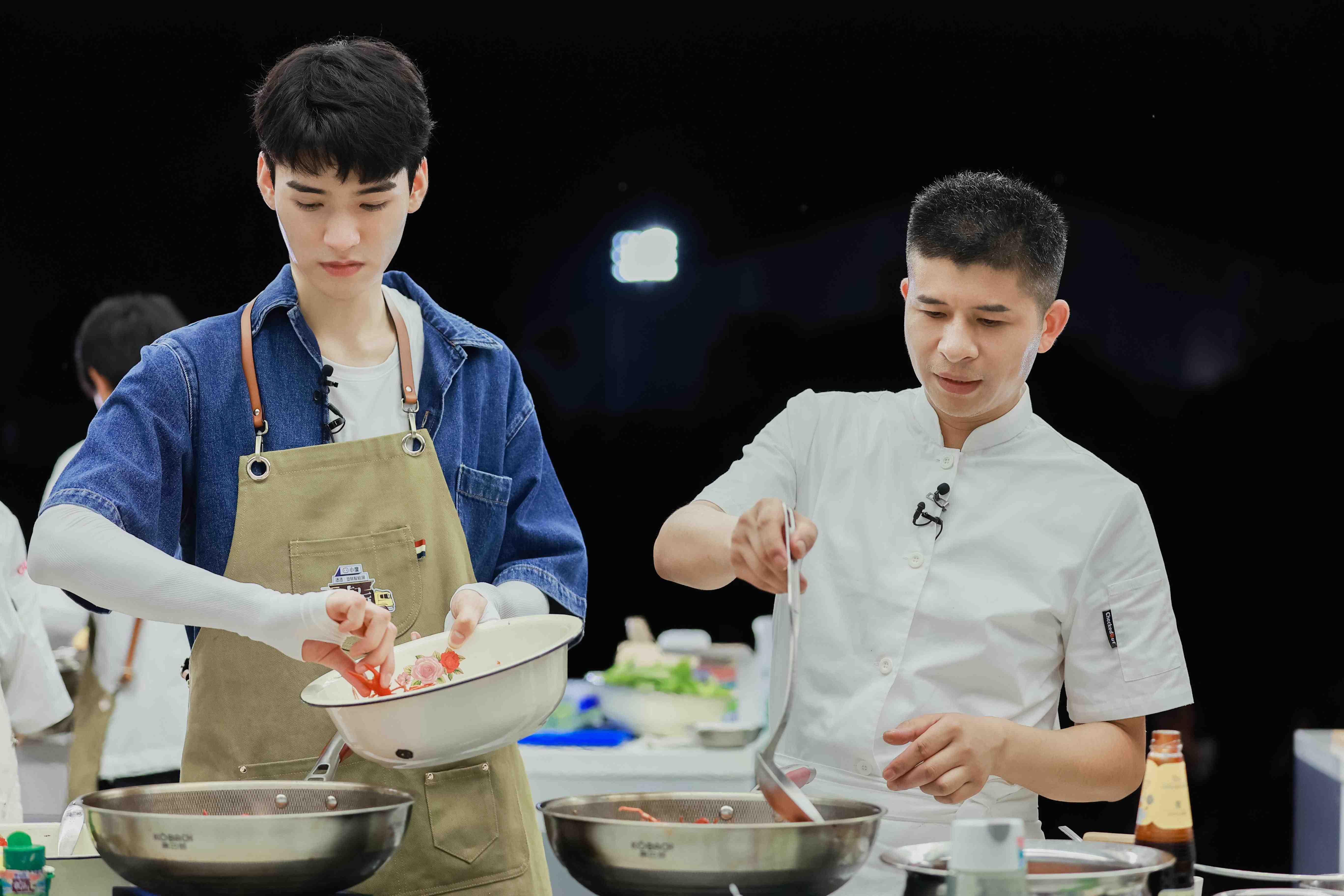湖南卫视《中餐厅5》今晚10点开播 (6).jpg
