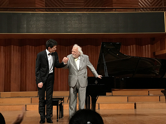 青年钢琴家鞠小夫 (3).jpg