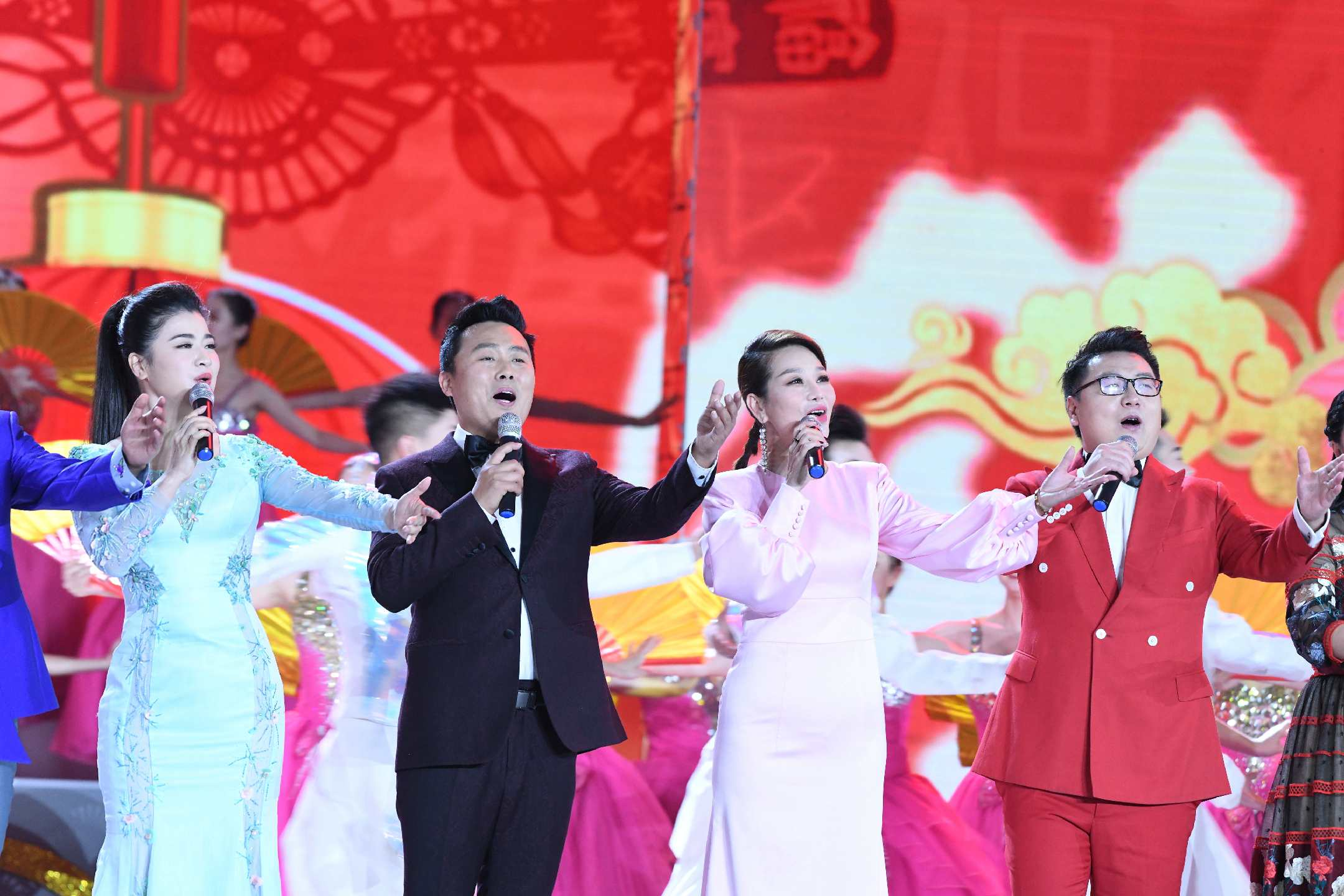"""张柏菡献唱2020""""百花迎春""""大联欢"""