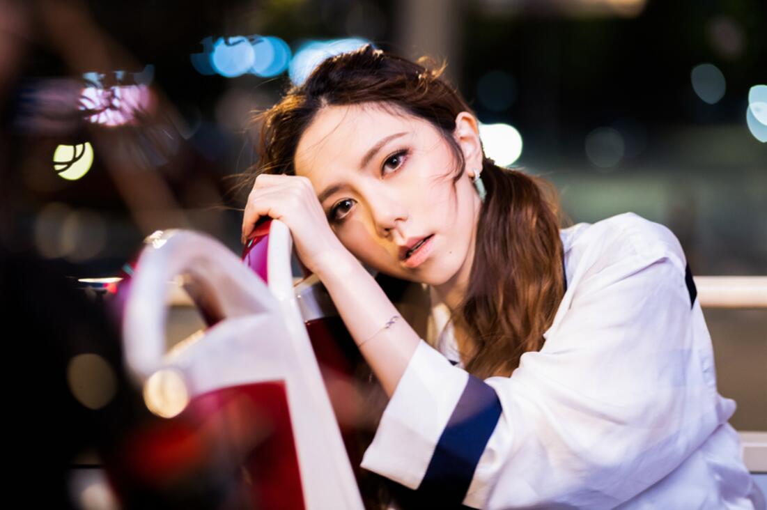 鄧紫棋〈好想好想你〉MV發稿照 (1).jpg