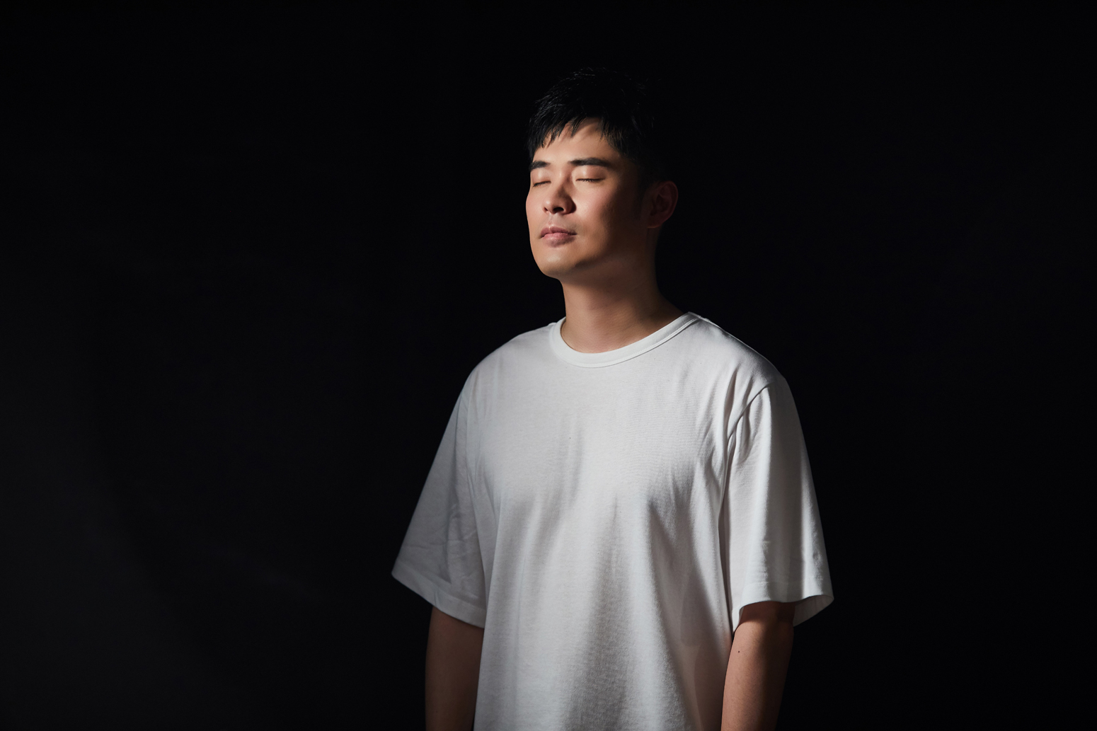 陈赫动情演唱.jpg