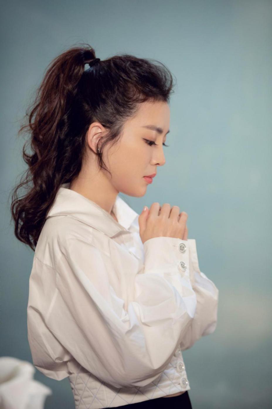 歌手依达《仰望的星光》.jpg