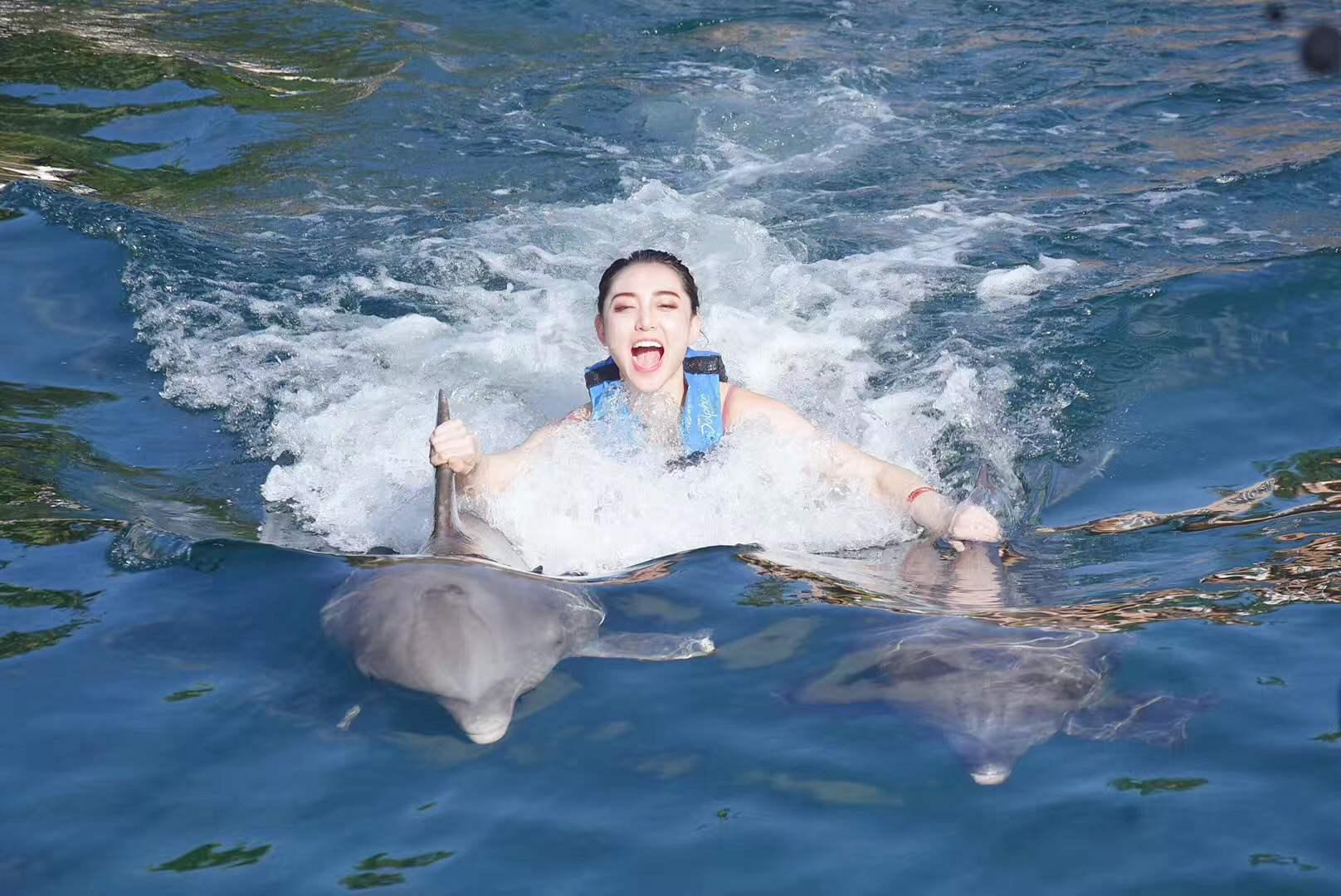 世界旅游小姐李欣桐新年大片 美得不忍直视