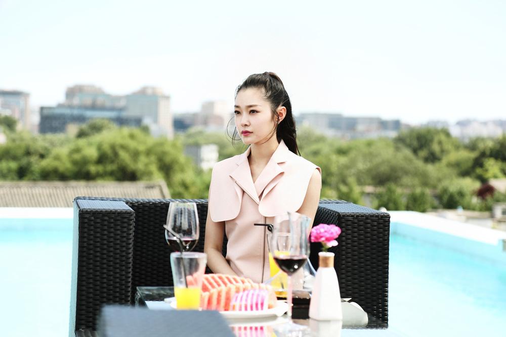 宋轶《创业时代》饰演投资分析师.jpg