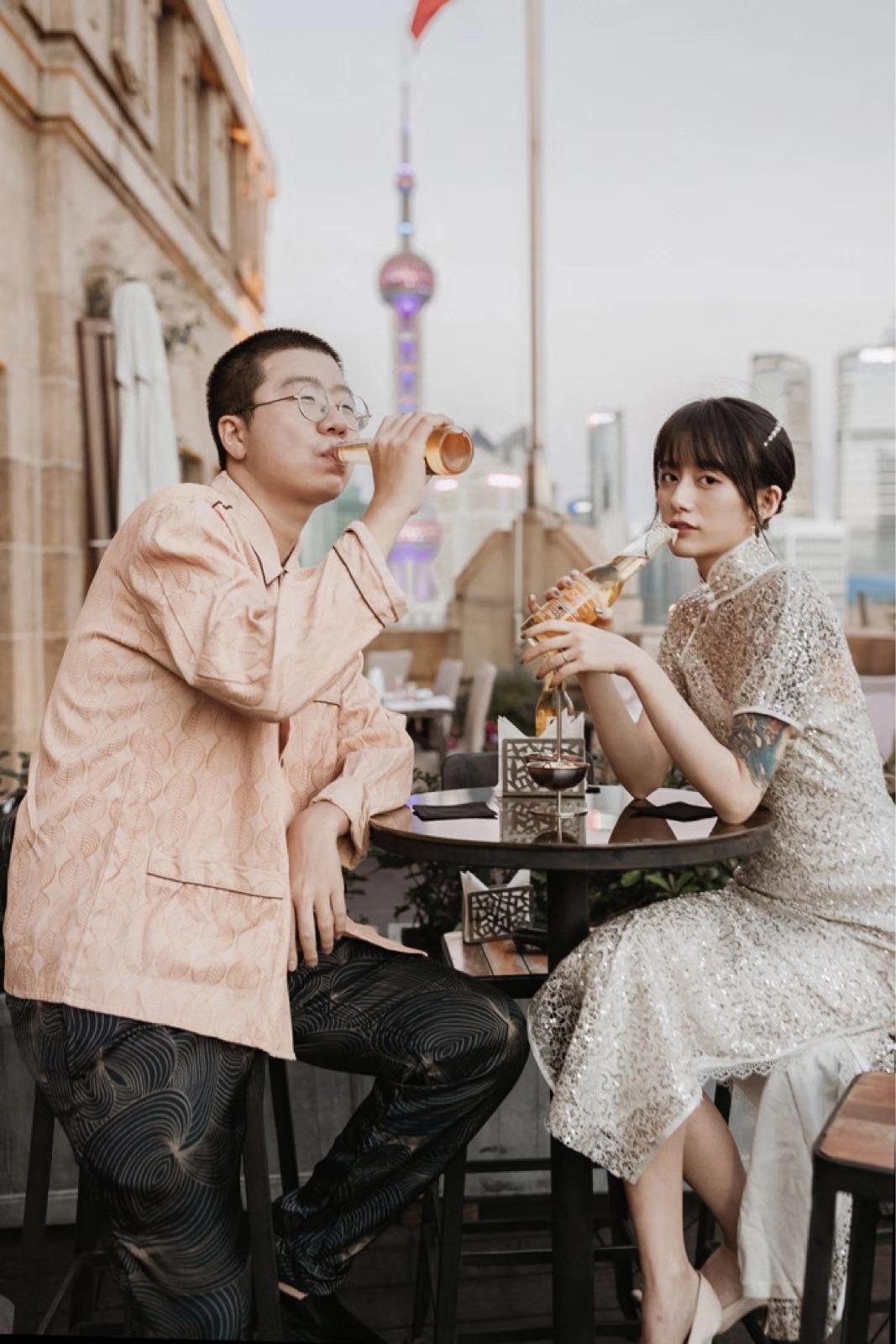 李诞黑尾酱婚纱照凌晨曝光 (8).jpg