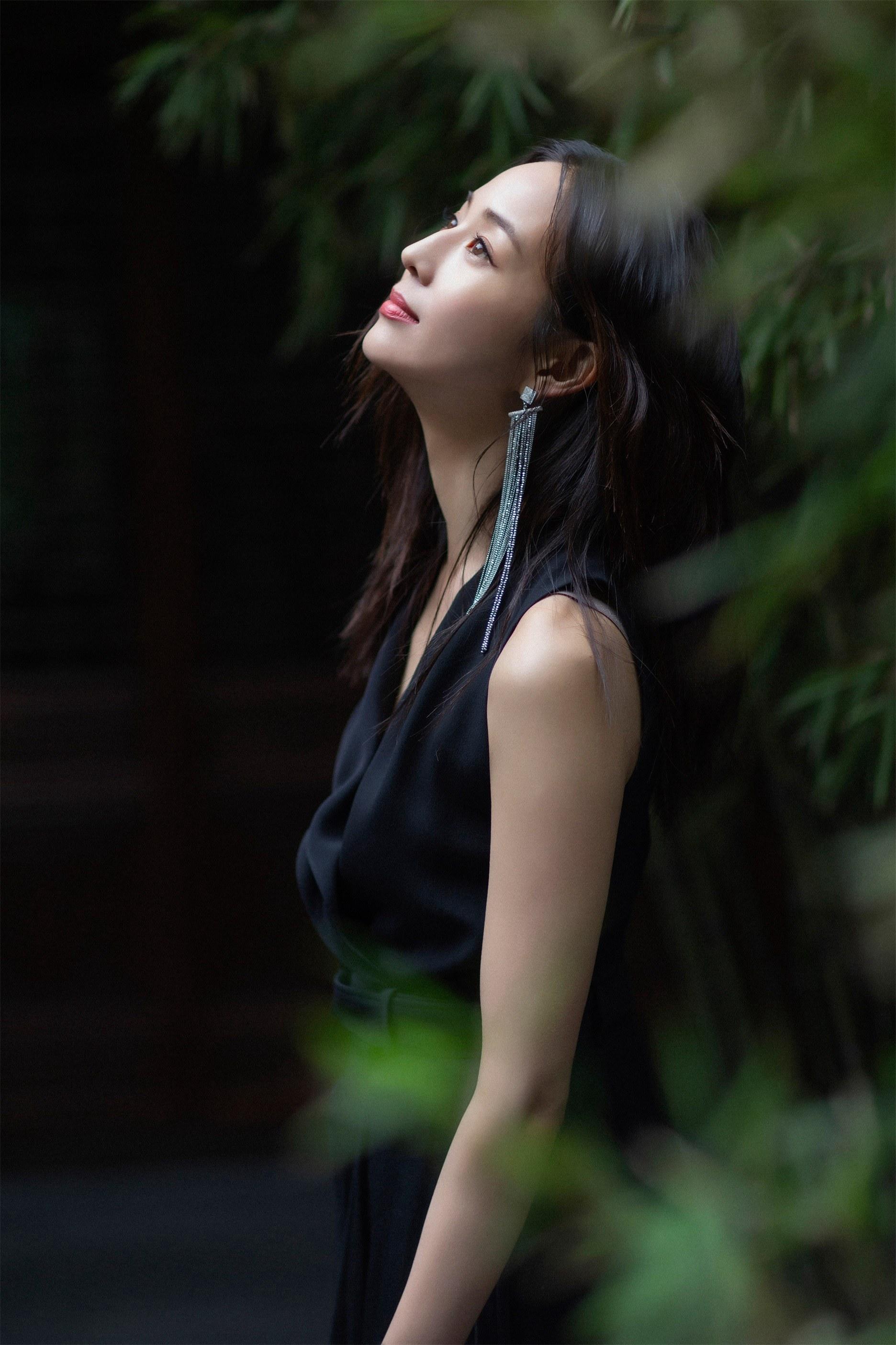 张钧甯展露优雅气质美8.jpg