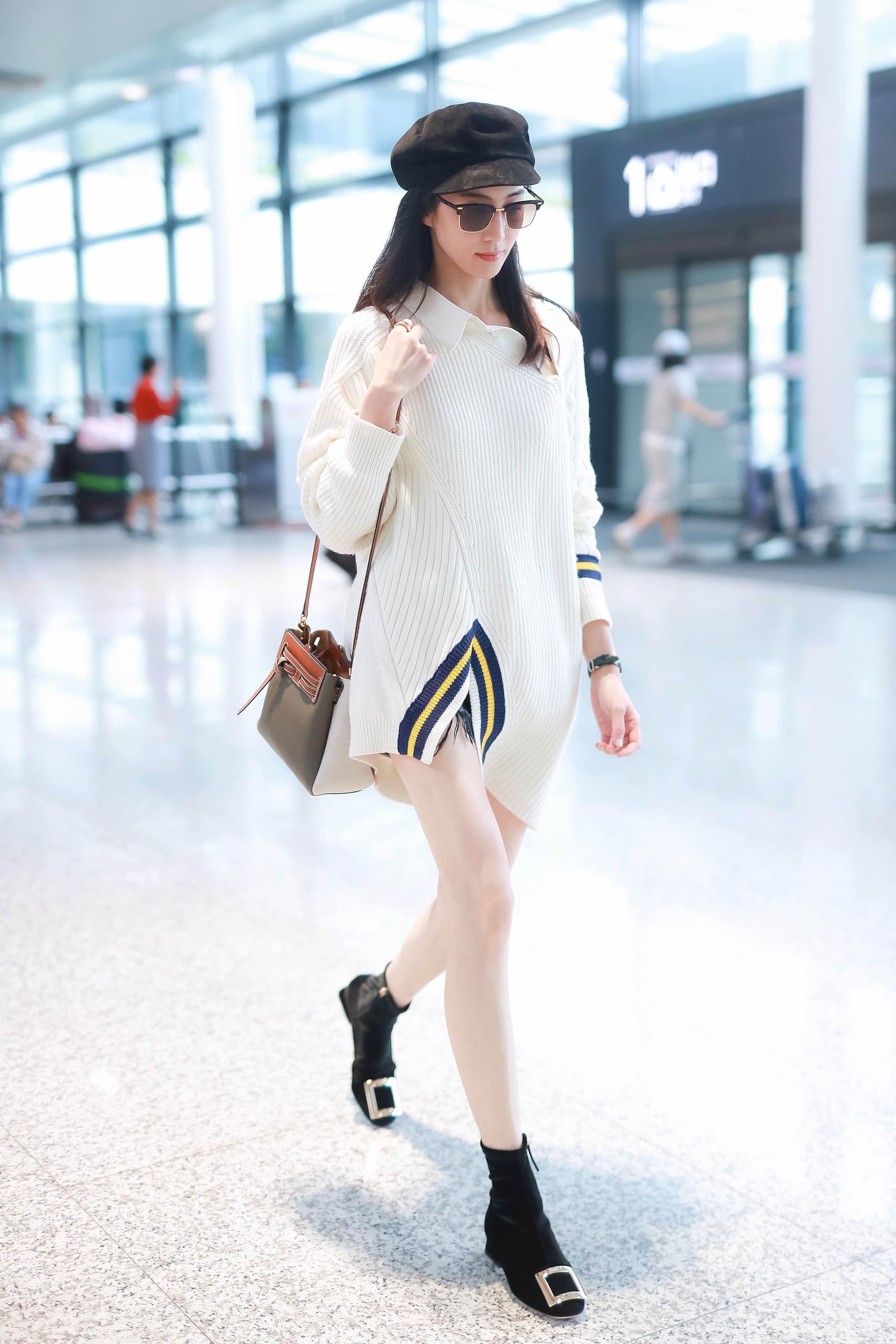 张钧甯上海机场2.jpg