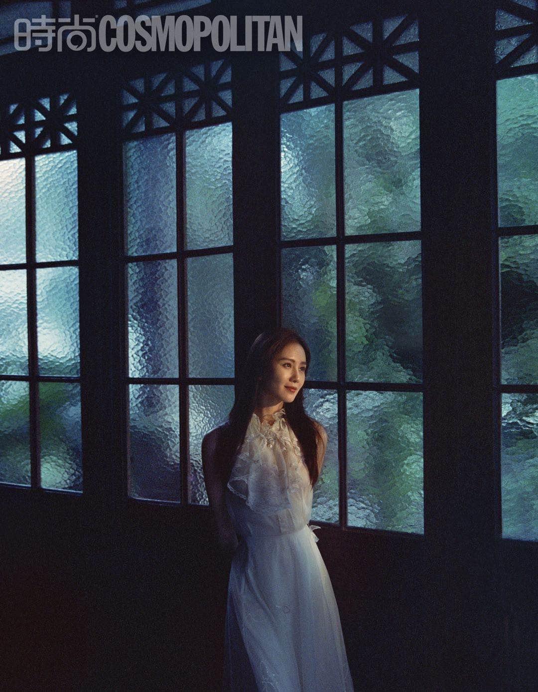 刘诗诗夏日胶片大片释出 清丽演绎午后悠闲时光2.jpg