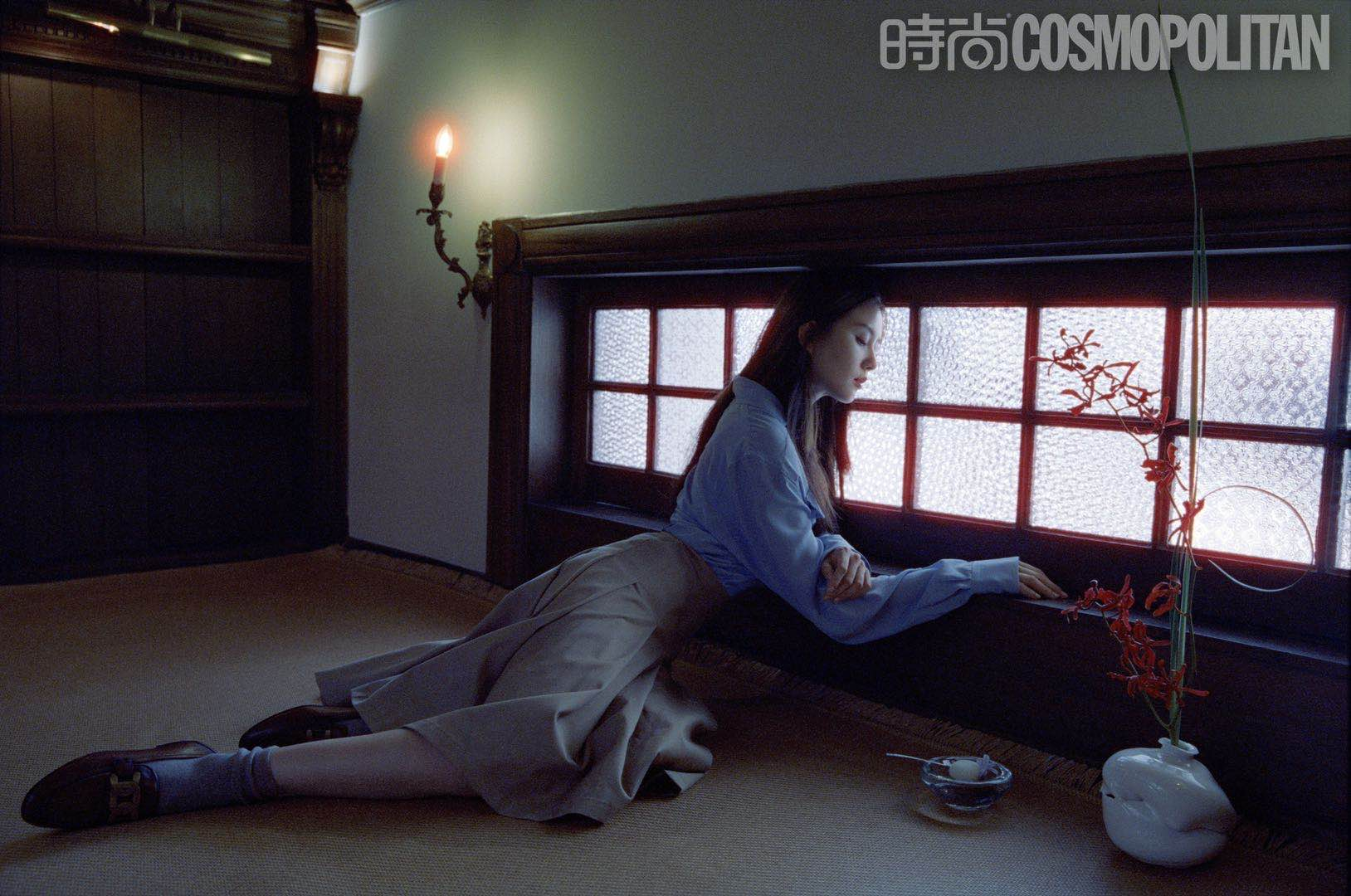 刘诗诗夏日胶片大片释出 清丽演绎午后悠闲时光5.jpg