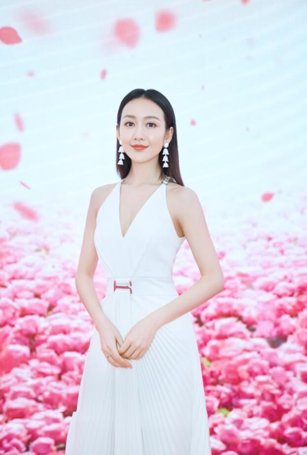 王鸥气质亮相品牌展.JPG